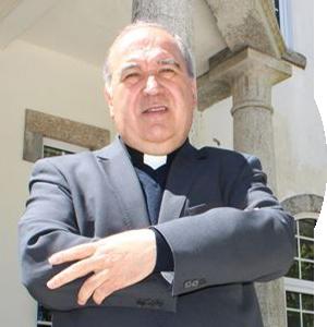 D. António Luciano dos Santos Costa